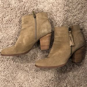 Guess booties size 10 tan
